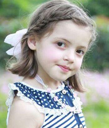 四年级小孩的头发怎么编 小女孩短头发编辫子的方法 发型师姐图片