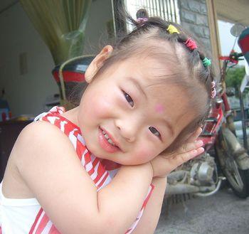 发型设计 儿童发型 >> 宝宝短头发怎么扎小辫 宝宝最新发型编法(4)  2图片