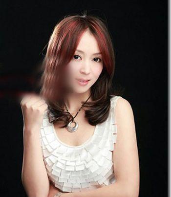 梨花烫短发内卷 中年女性短发梨花烫 发型师姐图片