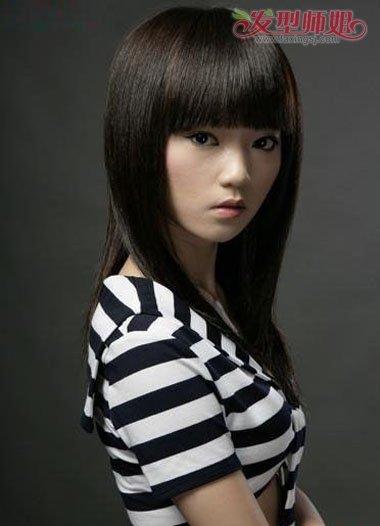 黑色头发齐刘海内蓬松烫发发型-女生黑长发发根烫什么样子 垫发根烫