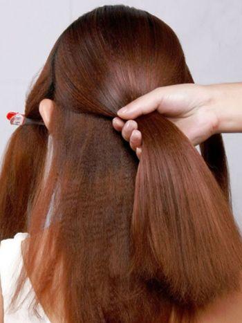 发型diy 新娘盘发 >> 韩式新娘中长发中分编发盘发