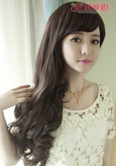 发橱发型集锦齐腰梨花 水瓶座女生适合的梨花烫发型(4