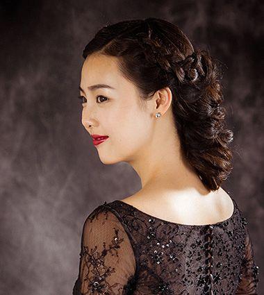 中年的发型怎么盘 中年盘发型设计与脸型搭配图片(3)