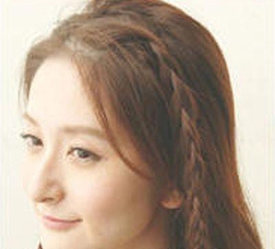 发型师姐编辑:emily 分享到  露出额头的发型怎么扎才好看呢?图片