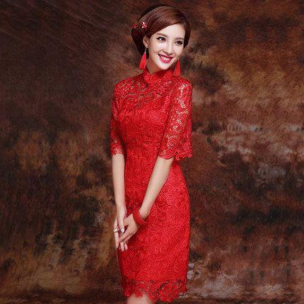 中国风情的旗袍做搭配的图片