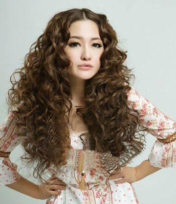 脸又小又长头发比较少适合什么发型 女孩长头发少适合