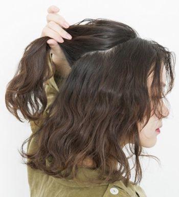发型diy 短发扎发 >> 胖mm烫发后怎样扎头发好看 胖mm卷发扎发图解图片