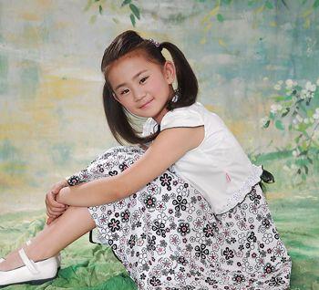 儿童10岁应该扎什么发型 中短发儿童发型扎法图解(3)图片