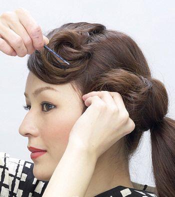 中长发发型盘法图解 最简单盘发型的步骤(3)图片