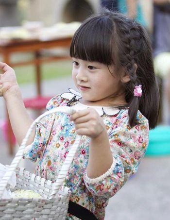 小女孩短头发如何编好看 儿童短发怎样编_发型师姐图片