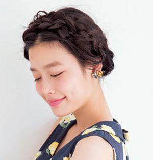 如何扎好看的学生发型 好看的学生无刘海发型扎法(4)图片