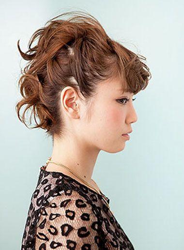 斜刘海短发层次扎发发型
