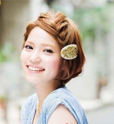 学生短发发型怎么扎 韩式学生简单发型扎法(2)图片