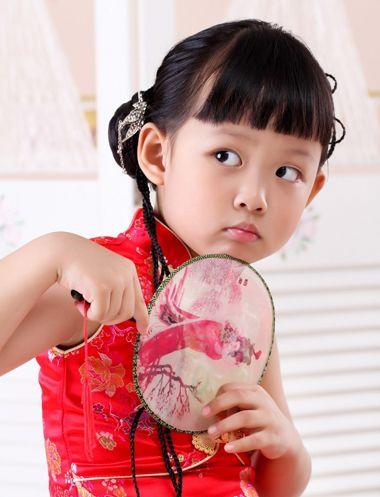 儿童盘头发型步骤图片