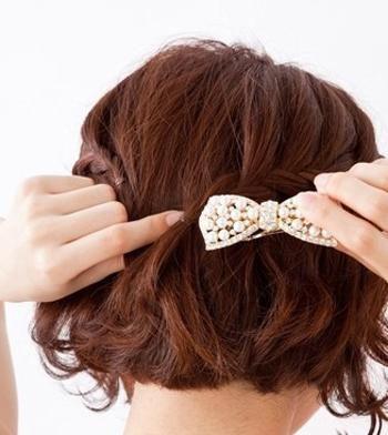 女生短发发型编织 短发编发发型步骤(3)图片