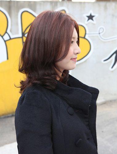 四十岁女人适合什么颜色头发和发型看图片