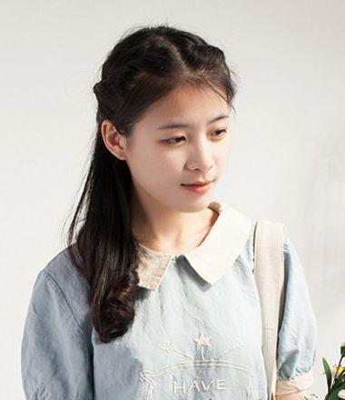 女学生长发中分扎发发型 适合学生扎的发型