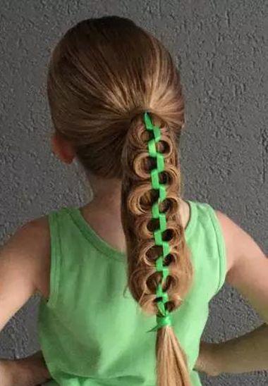 13岁女孩怎么编头发好看 给小孩编好看的头发 发型师姐