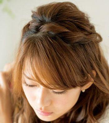 中长发发型扎法步骤 夏日简单发型扎发图片