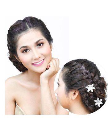 长发如何盘新娘头 韩式新娘长发盘发图解(5)图片
