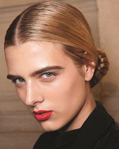 职业妇女盘发型 中年职业女性盘发发型图片