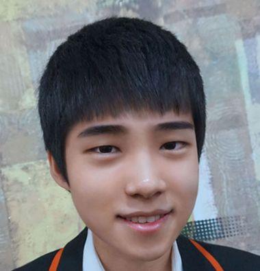 男生齐刘海蘑菇头发型 初中男孩子齐刘海图片(4)图片