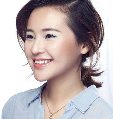 斜刘海齐肩短发扎马尾辫发型图片