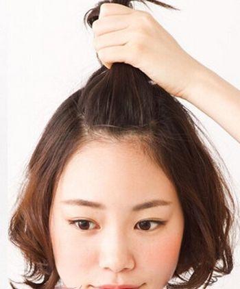 短发怎么扎好看 我有刘海,不是斜的. 后面还有短碎发图片