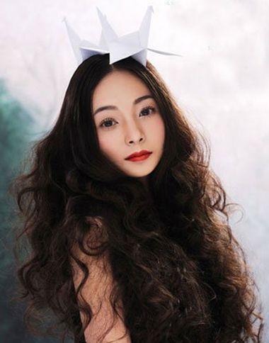 现在流行的小卷怎么烫的 2016时尚小卷烫发 发型师姐