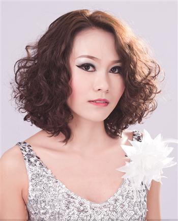 中年妇女小卷烫_2016年中年妇女烫发短发发型 中年麦穗烫短发_发型师姐