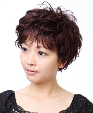 发型设计 短发 >> 怎么烫中年妇女超短卷发 中年女士短烫发图片  2016