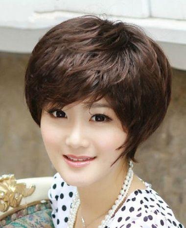 中年妇女短发烫发型_怎么烫中年妇女超短卷发 中年女士短烫发图片_发型师姐