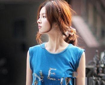 扎短发发型图片 短头发扎起来的蓬松发型(2)图片