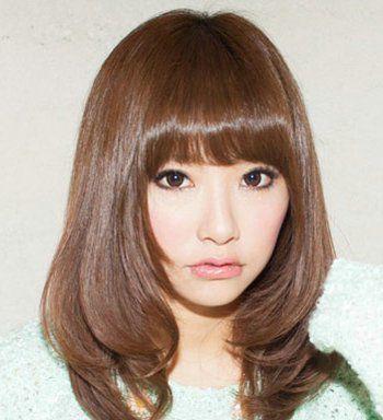 齐刘海层次感中长发-矮个子女生适合烫什么头发 最流行的烫发发型