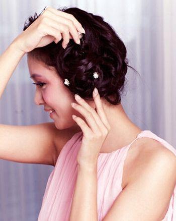 发型设计 新娘发型 >> 新娘发型图片编发步骤 参加婚礼编发发型(5)图片