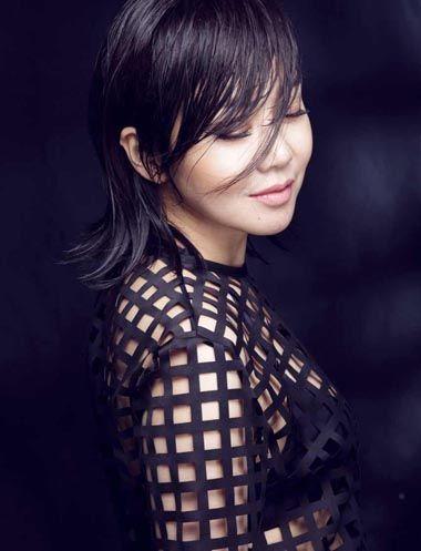国内中年女演员短发烫发发型图片 中年短发小卷烫发发型 发型师姐