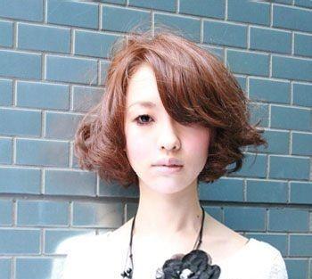 头发少的中年女性烫什么发型 长发发量少烫什么发型图片