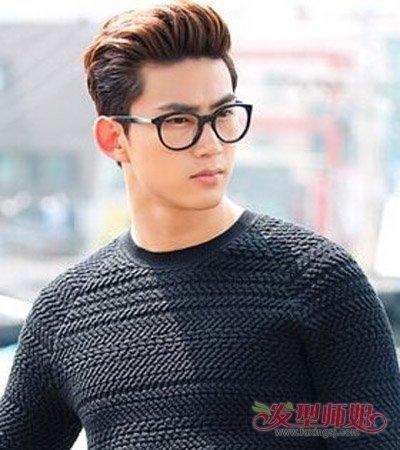 戴眼镜男生头发如何打理 男生容易打理的短发发型 发型师姐图片