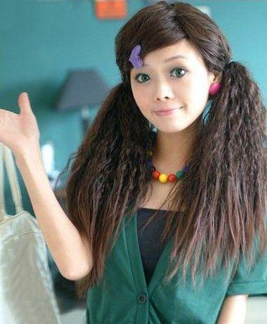 圆脸偏分扎小卷烫发发型-2016女士圆脸发型怎么扎好看 圆脸扎起来适