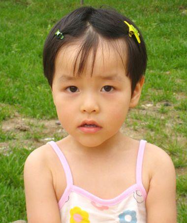 宝宝刘海怎么扎 宝宝刘海发型绑扎方法(2)图片
