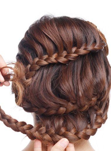 教我盘个简单又大方的新娘发型 新娘盘发发型图片中长发(10)图片