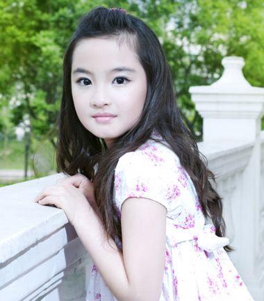 10岁有刘海小女孩 夏天怎样扎头发既简单又好看又不