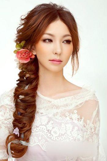 新娘编发长发发型步骤 有头帘新娘编发型韩式(4)