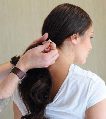 长脸怎样扎中分 长脸型适合的简单扎发_发型师姐图片