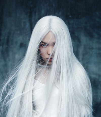 长直发中分直发发型染什么颜色好看 直发发型染发颜色图片