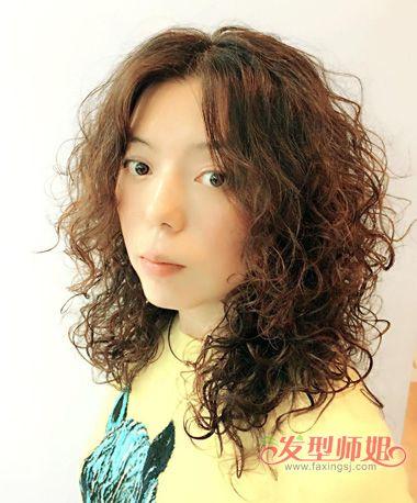 中分小卷数码烫发型-什么叫数码烫 数码烫发型全头卷发图片 发型师姐