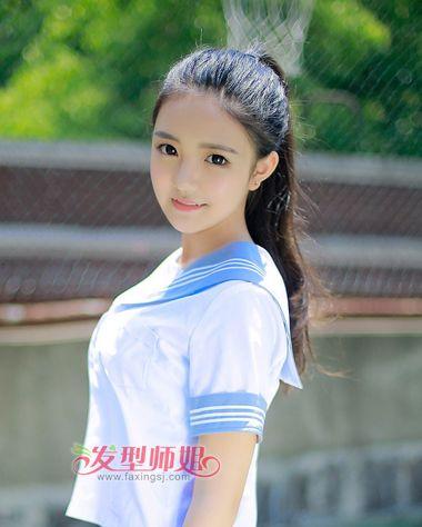 无刘海长直发扎高扎马尾辫发型图片