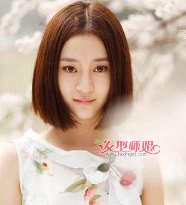 女生中分发型设计与脸型搭配 修饰脸型的中分短发发型图片