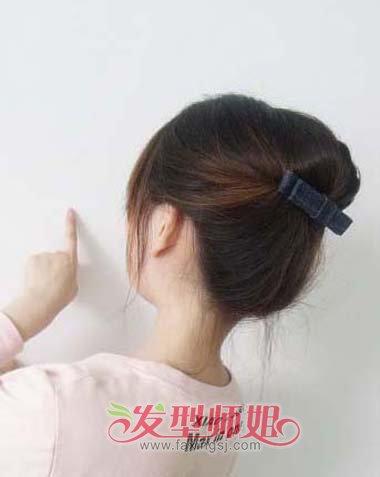 直发齐肩盘发简单步骤 齐肩中直发盘发图解(5)_发型