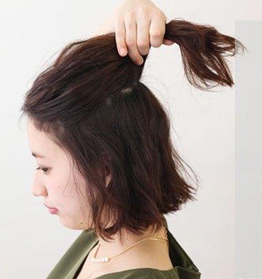 韩国短卷发扎法 韩式短卷发造型图解(2)图片